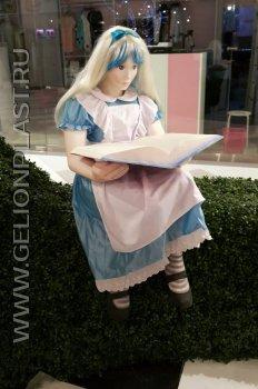 Алиса из пенопласта