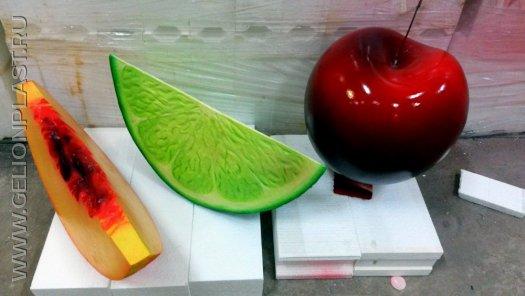Ягоды и фрукты из пенопласта