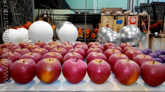 Новогодние фрукты из пенопласта