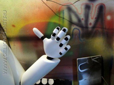 Робот из пенопласта