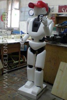 Робот-исследователь Тэку из пенопласта