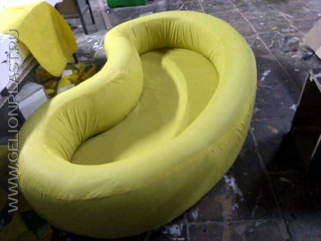 Детский бассейн из пенопласта для пластиковых шариков