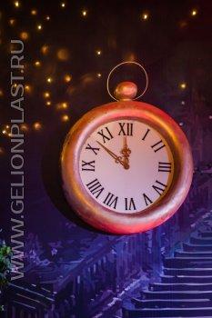 Часы из пенопласта