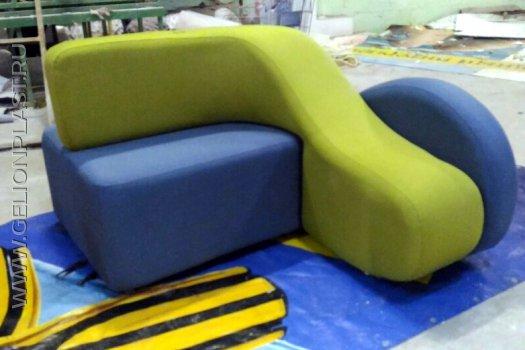 Оформление офиса GOOGLE Space: оригинальные диваны