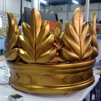 Золотая пенопластовая корона
